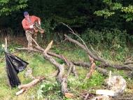 Лагер-сбор - Шуменско плато - 24-26.09.2010 - Мишо носи дърва
