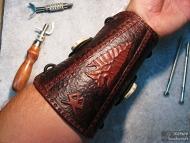Кожен протектор (крага) за стрелба с лък - На ръката