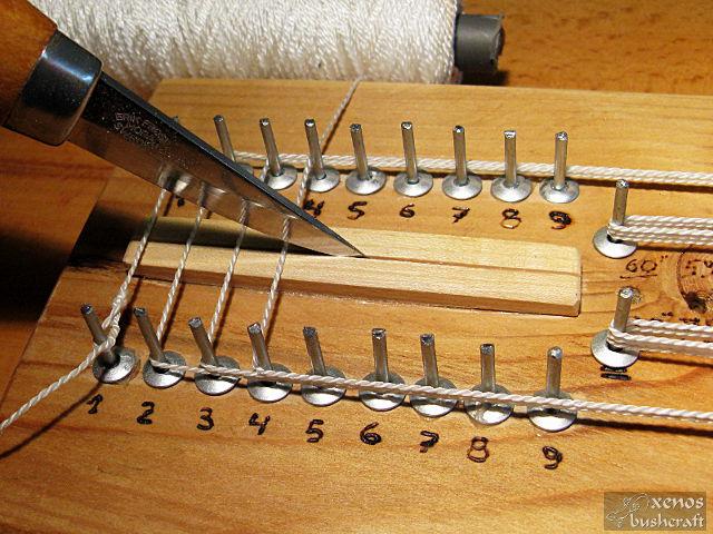 Компактен станок за плетене на тетива - Срязване на нишките