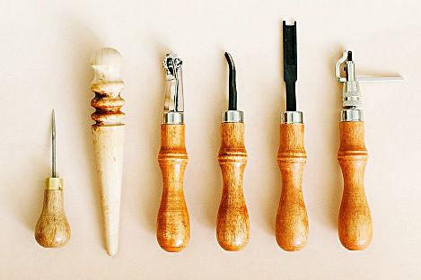 Кожена кания за нож - Инструменти