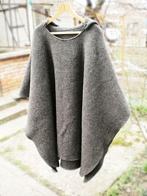 Зимно пончо от вълнено одеяло - Завършен вид