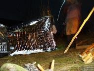 Закриваме подслона с миларово фолио - Орлова чука, 29-30.12.2009