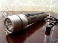 Фенерче Philips с криптонова крушка, захранвано от 2 броя батерии АА. Учудваща сила на светлината.